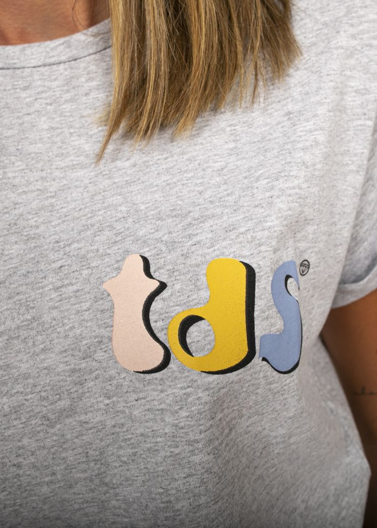 CAMISETA TDS PRINT LATERAL GRIS NEW
